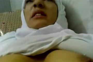 Moslima opgenomen tijdens het seksen