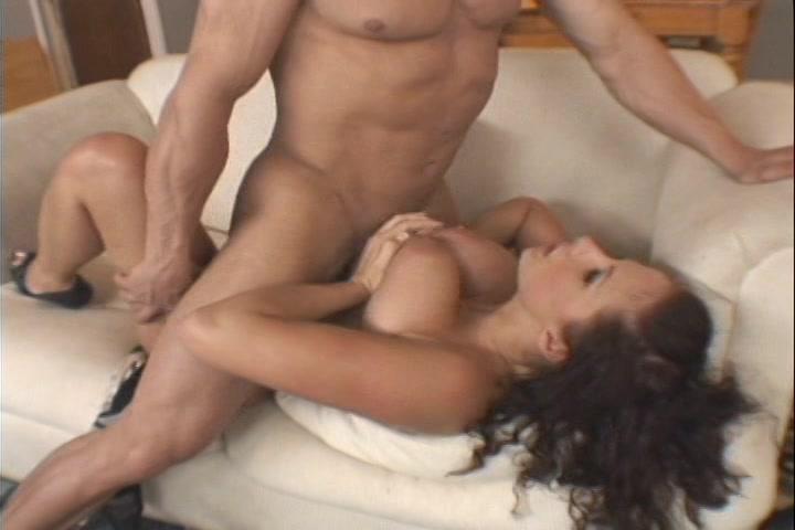 zij trekt hem af hangtieten sex