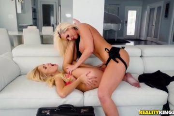 Super erotisch moeder penetreert onrijpe blondine