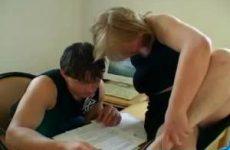 Lerares probeert leerling te verleiden
