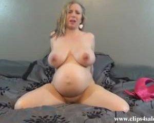 Zwangere cam babe