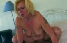 Tattoo mama wants to fuck